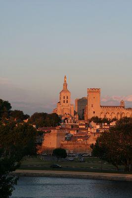 Avignon au crépuscule II