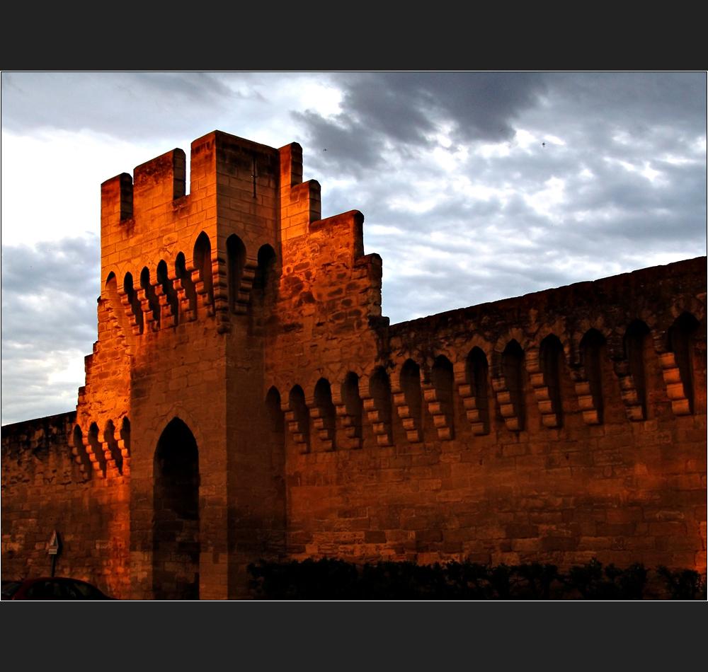 Avignon, Mauerleuchten