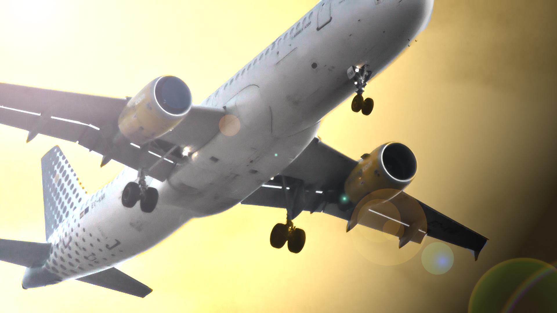 Avion al atardecer :)