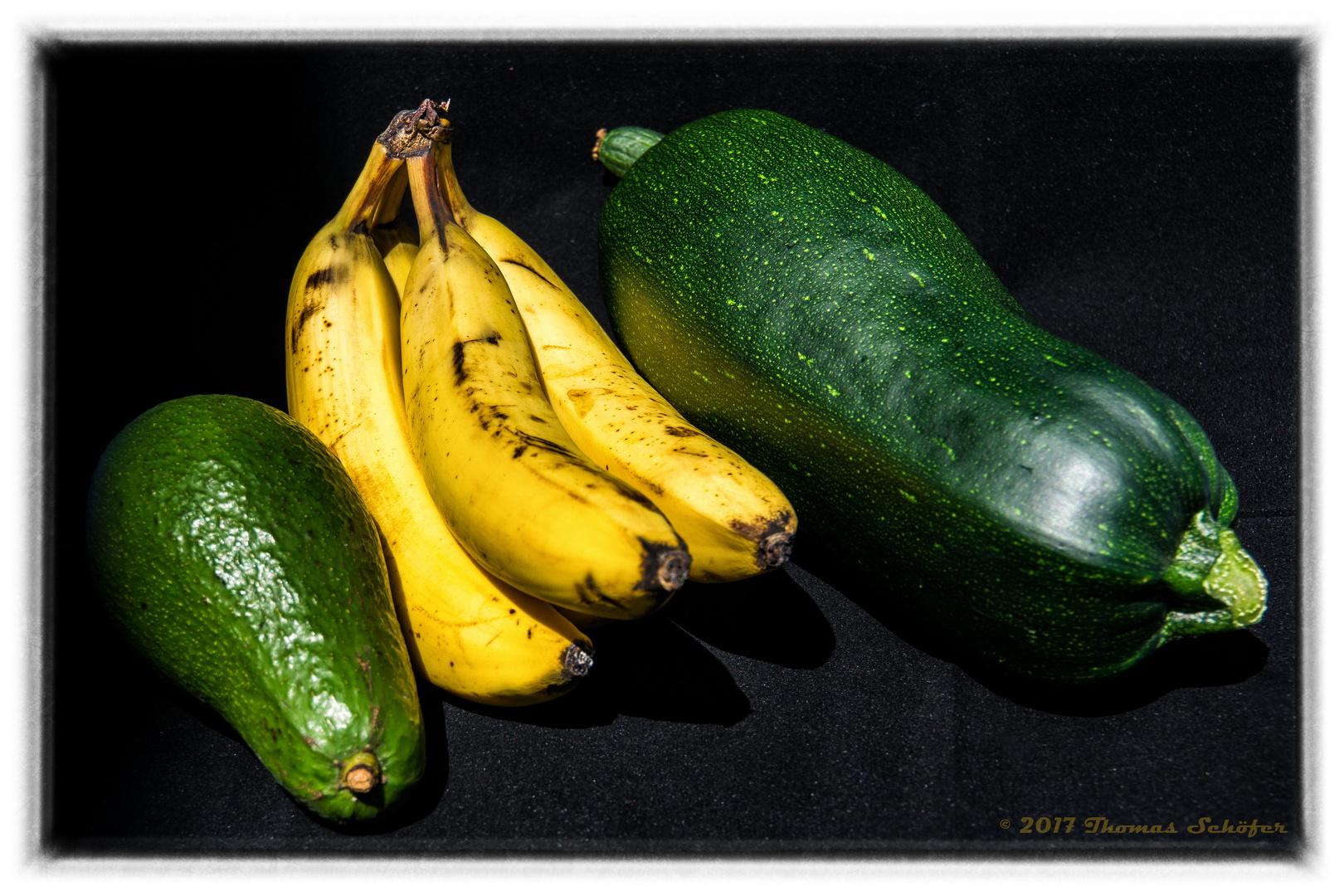 avocado bananen und bonsai zucchini foto bild stillleben essen trinken obst gem se. Black Bedroom Furniture Sets. Home Design Ideas