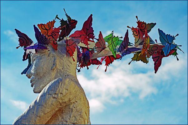 Avoir  plein de papillons dans  la tête.....