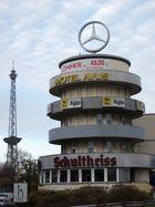 Avus Hotel mit Funkturm