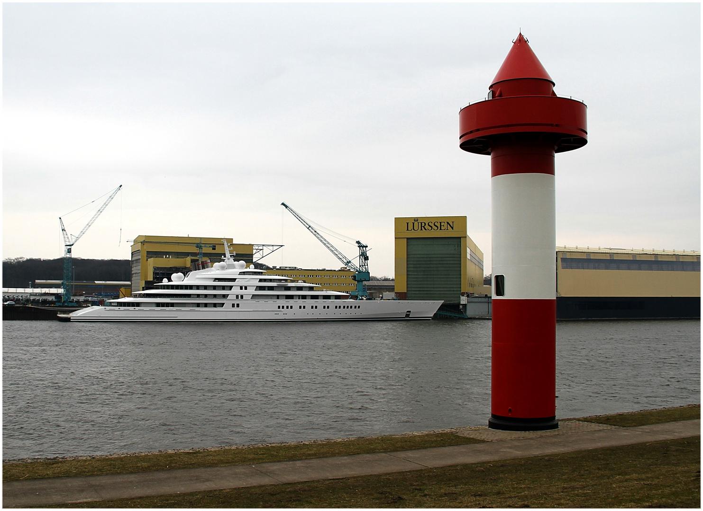 Azzam ... das ist die längste Yacht der Welt
