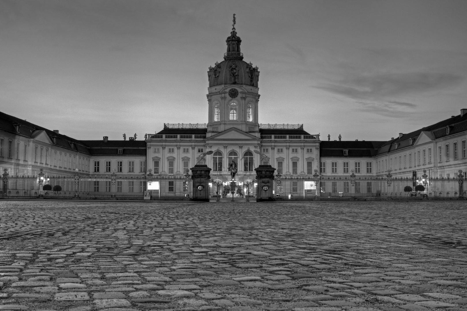 B - Schloß Charlottenburg III