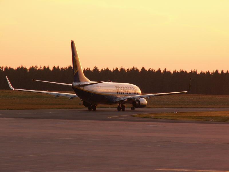 B737-800 Ryanair auf dem Weg zum Start