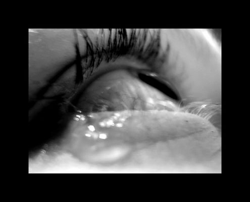 baby, don´t cry... please! don´t cry...