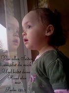 Baby mit Bibelspruch