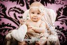 Baby Nora, 7 Monate | (Babyfotograf Kreis Wesel)