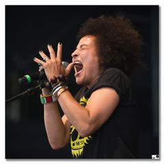 Back Ground Singer (Stero MCs)