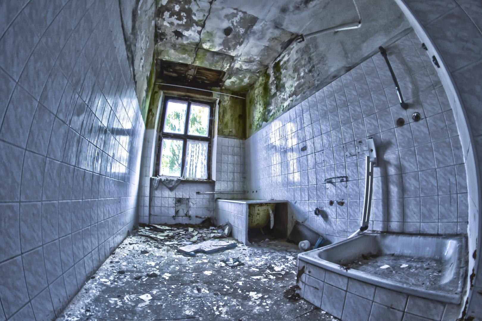 Bad- altes Psychiatrisches Krankenhaus Großörner