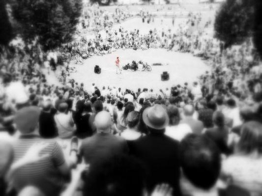 Bad in der Menge