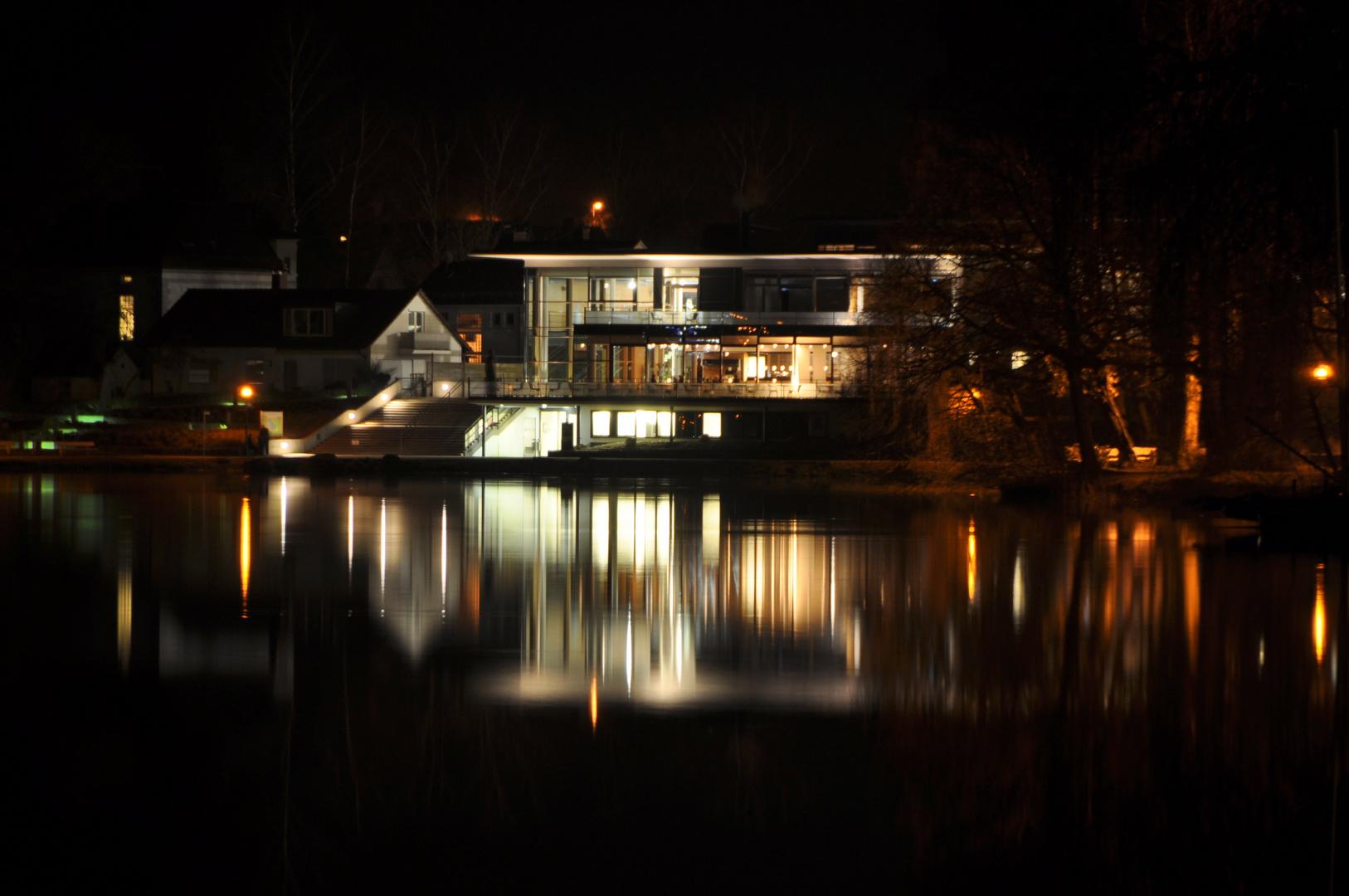 Bad Waldsee Haus am Stadtsee bei Nacht