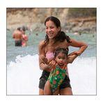 Badespass von Mutter und Tochter