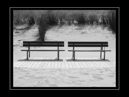 Bänke am Strand
