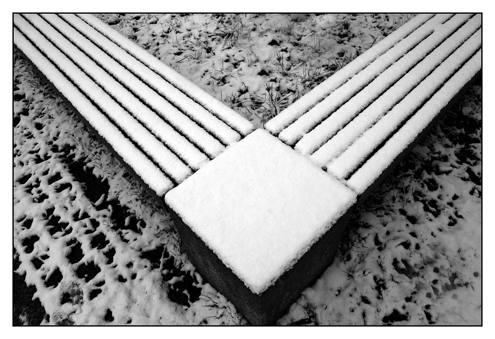 """Bänke im Schnee:- 2 - die """"Eckbank"""""""