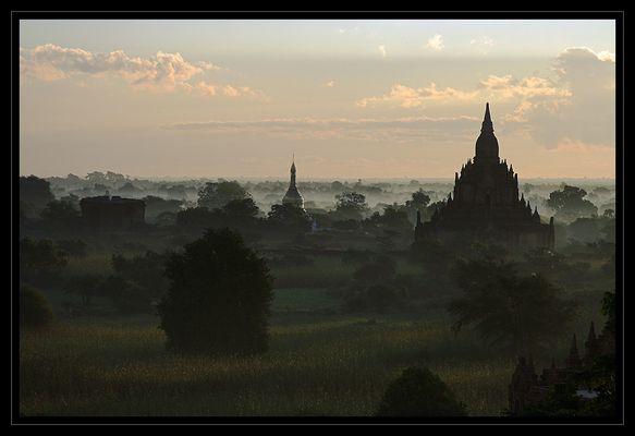 Bagan am Morgen III