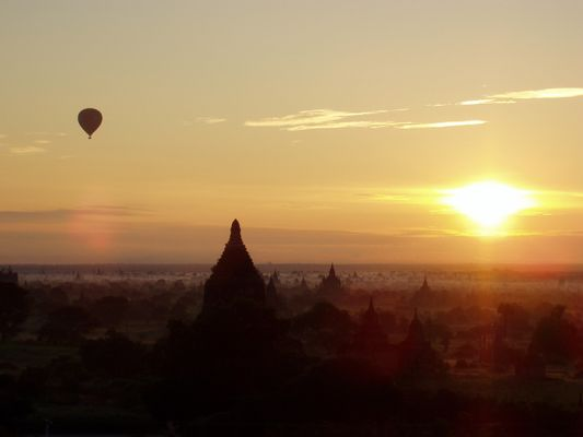 Bagan - Sonnenaufgang