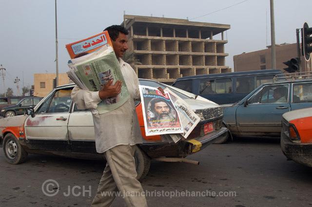 Bagdad, Irak, vendeur de journaux