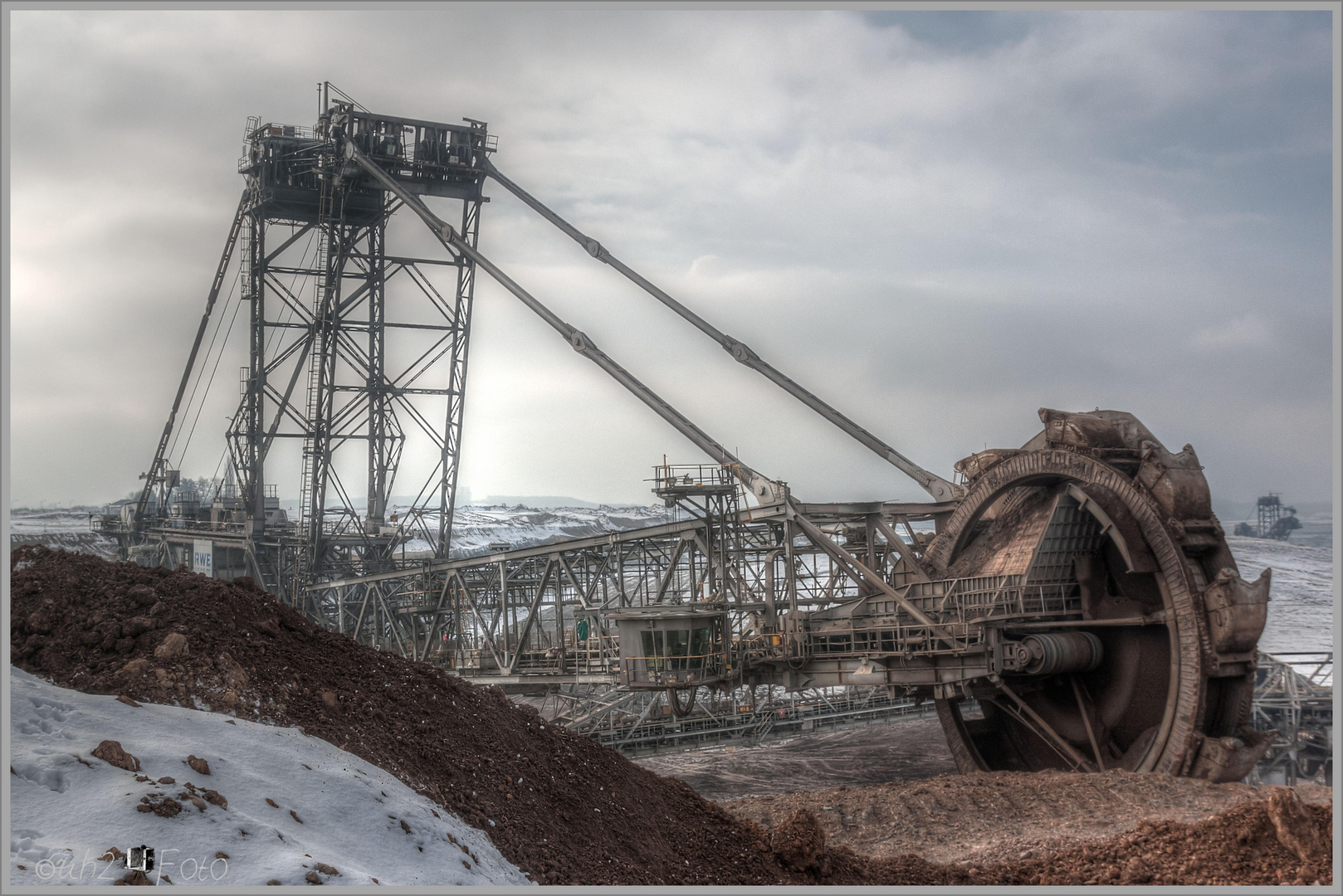 Bagger 255 in Action