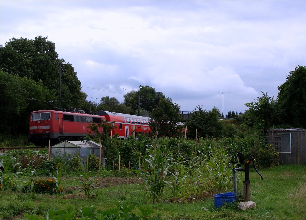 Bahn . Garten . Landschaften