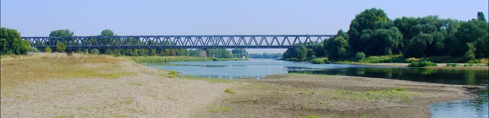 Bahnbrücke über die elbe