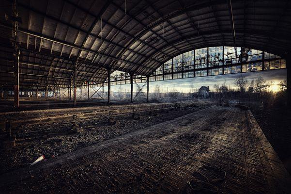 Bahnhof.....