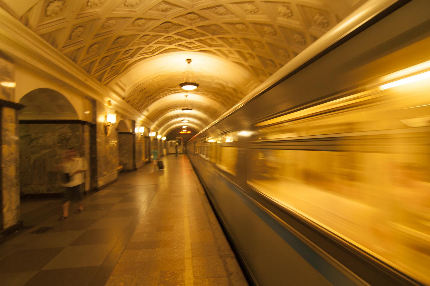 Bahnhof, Abfahrt.......
