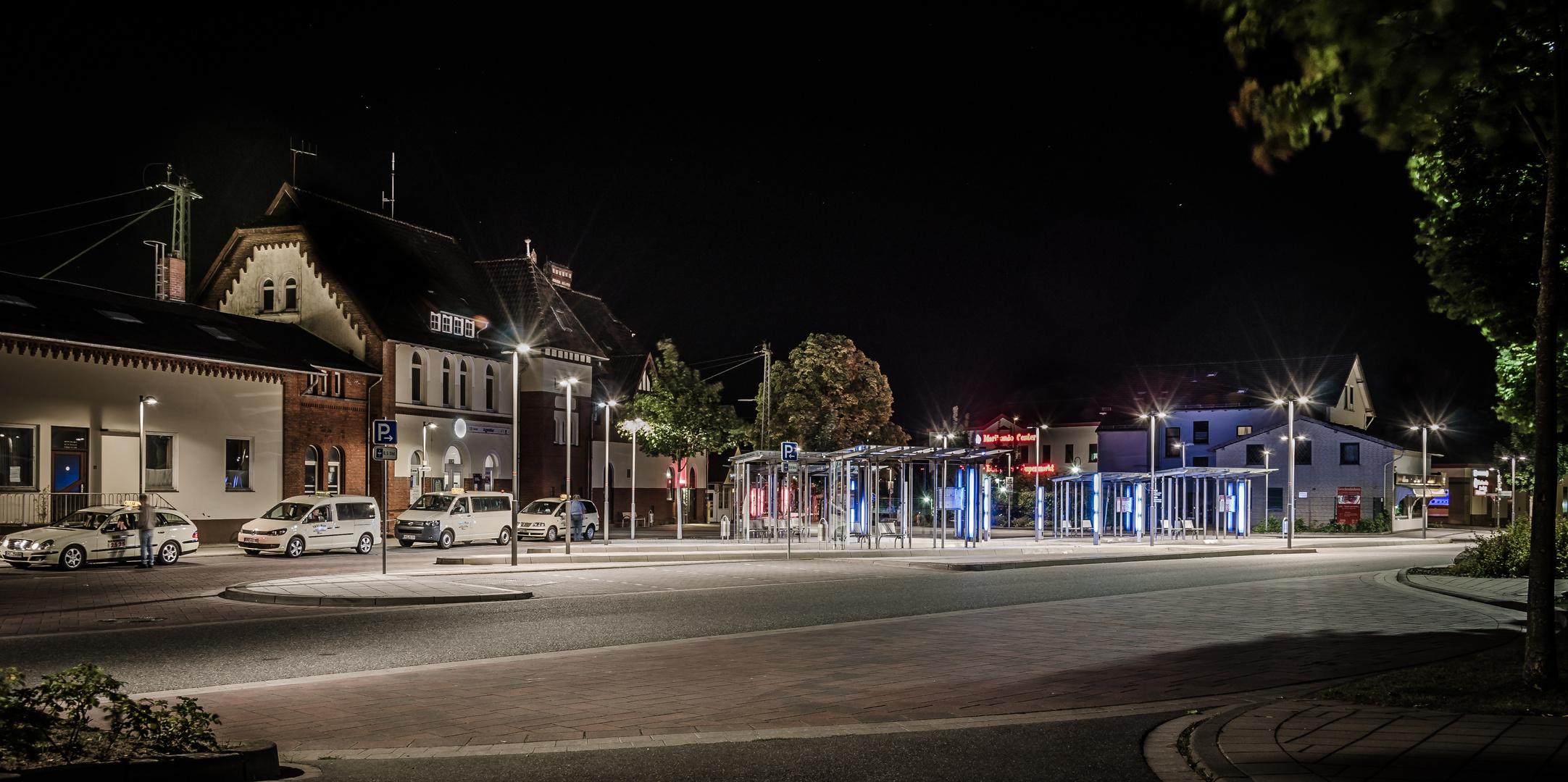 Bahnhof am späten Abend
