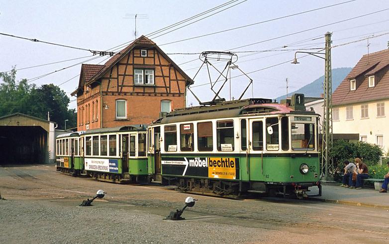 Bahnhof Eningen