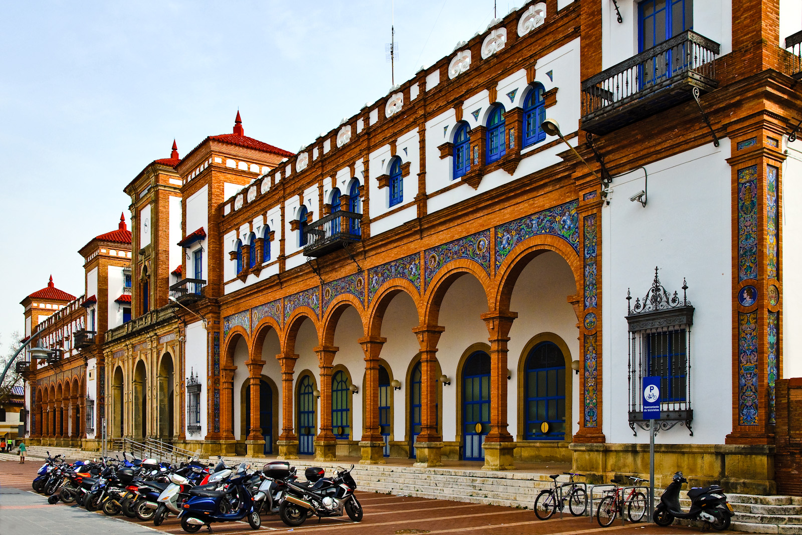 Bahnhof in jerez de la frontera foto bild europe for Azulejos jerez de la frontera