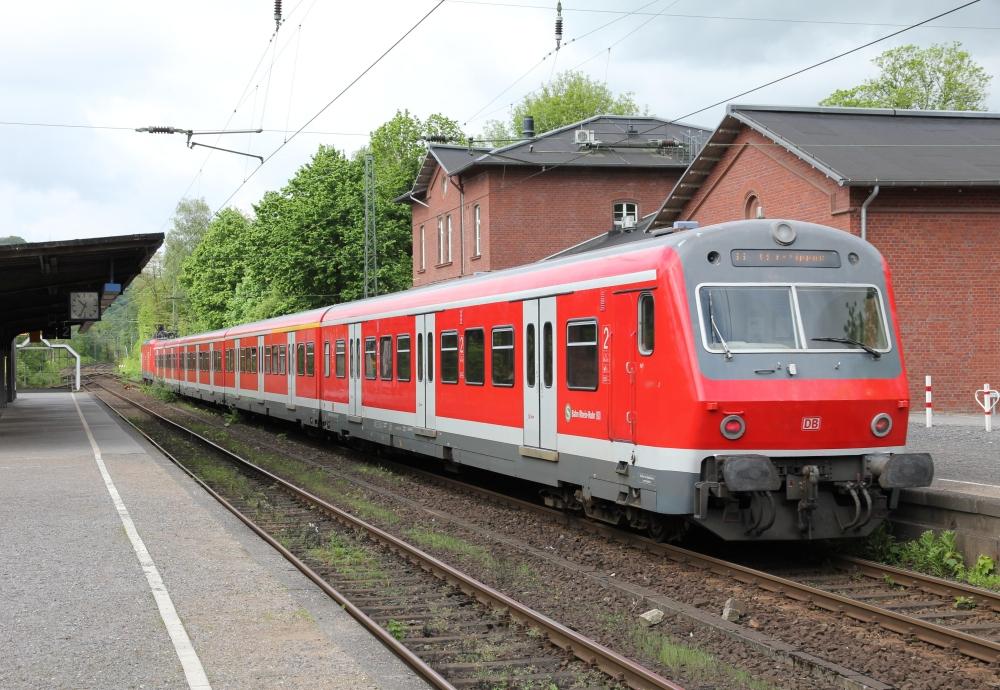 Bahnhof Kettwig mit S6 nach Köln-Nippes