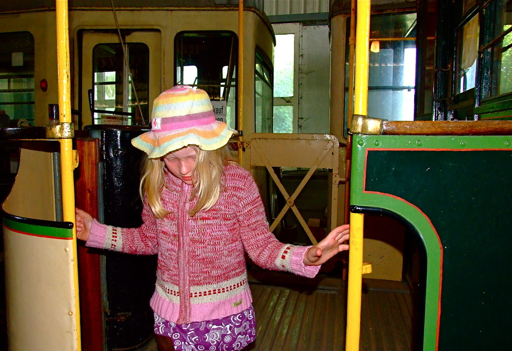 Bahnhof Schönberg***Filipa, als unser Familieneisenbahn- und Straßenbahn-