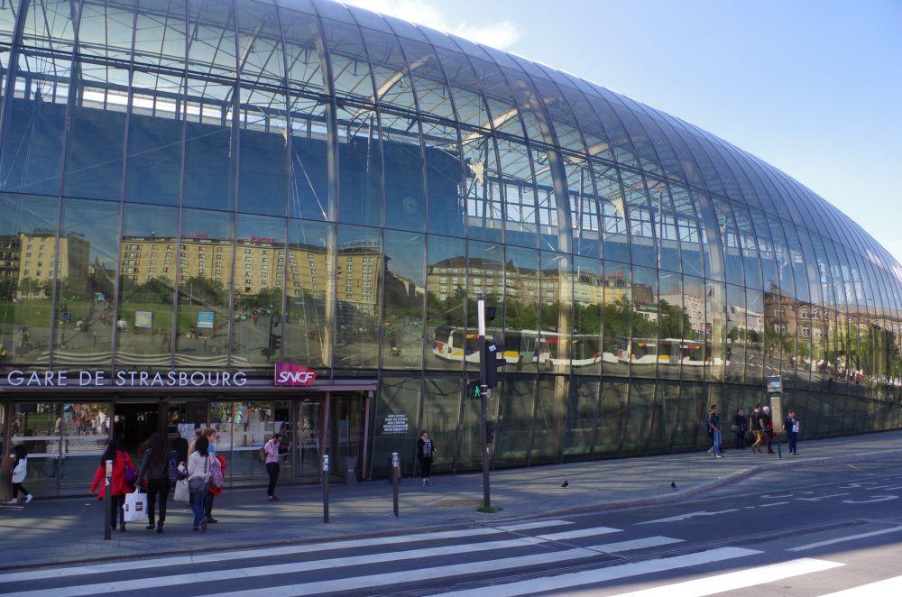 Bahnhof Strasbourg Glasfassade