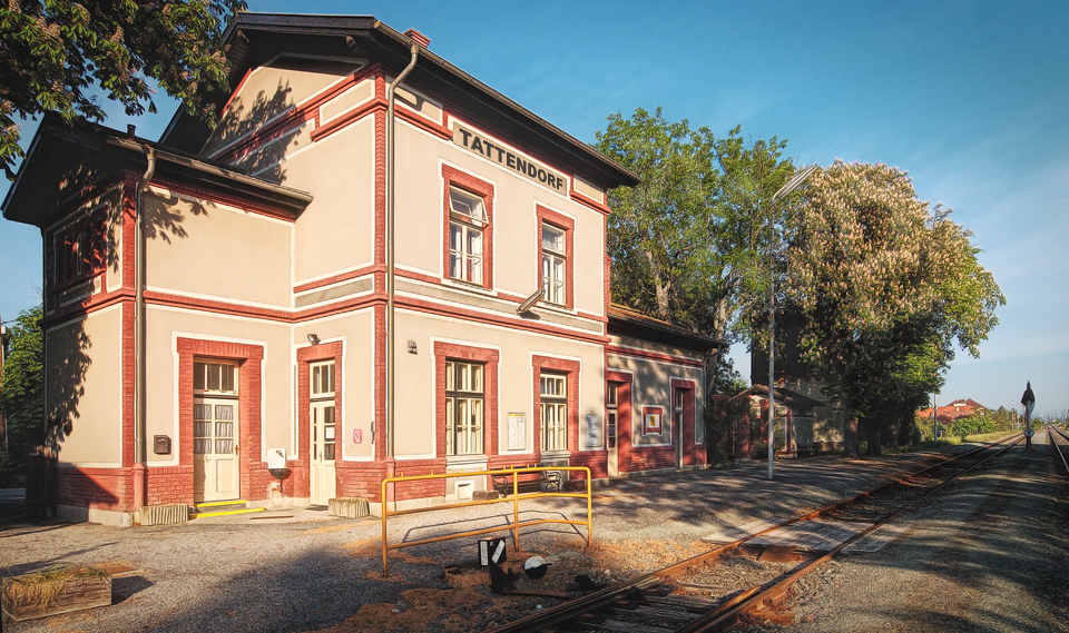 .:: Bahnhof Tattendorf ::. •Illustriert•
