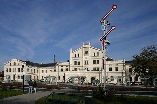 Bahnhof Zittau - Die Signale stehen auf freie Fahrt - nur die Richtung ist noch unklar.....