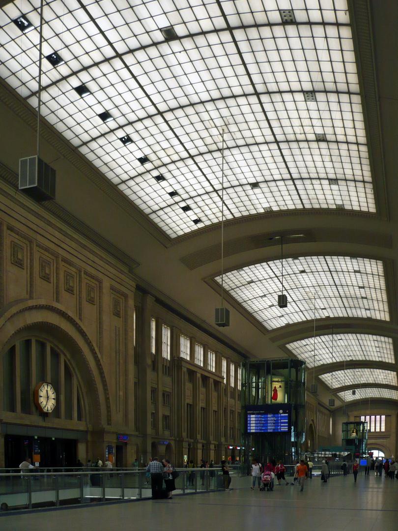Bahnhofshalle Leipzig bearbeitet