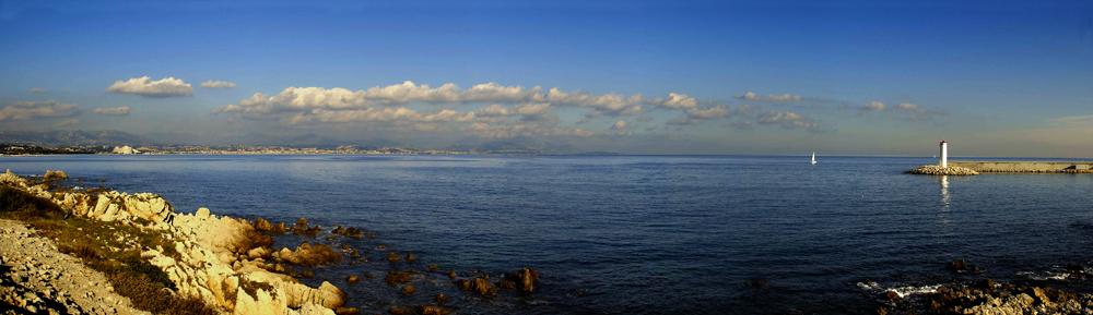 Baie d'Antibes, France.