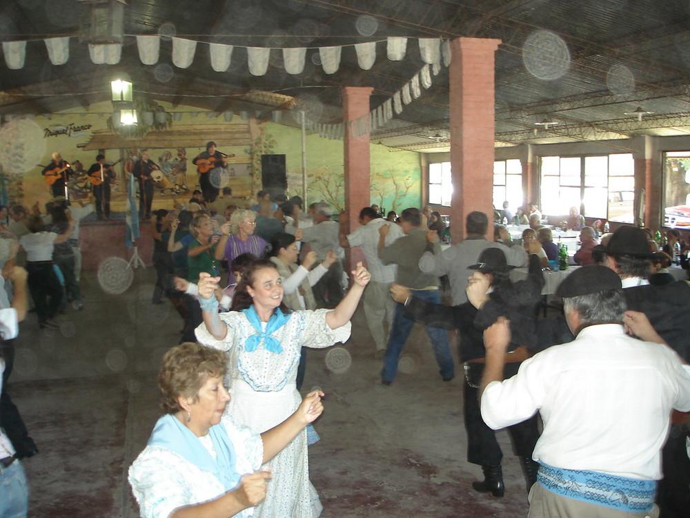 bailando en el rodeo   Argentina