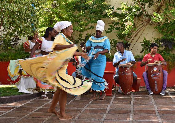 Baile en el Museo del Carnaval 01