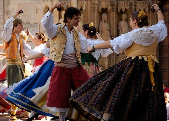 Baile típico valenciano