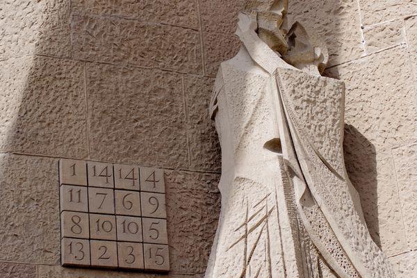 Baiser de Judas et Carré Magique, Sagrada Familia, Barcelone