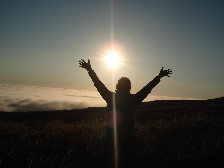 Bajo la gracia de la libertad de sentir con el alma y tocar con el corazón el milagro de la vida.