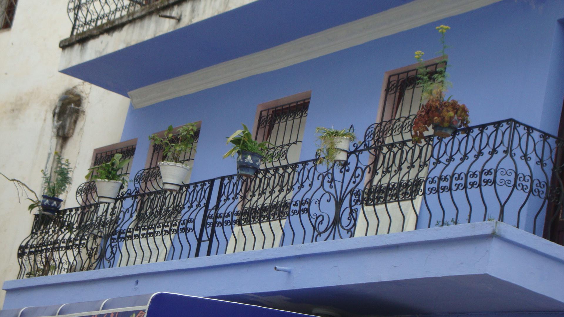 balcon d'une maison à chefchaouen