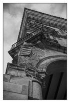 Balcón y escudo de armas del Palacio del Duque de San Carlos (Trujillo Cáceres Extremadura España)