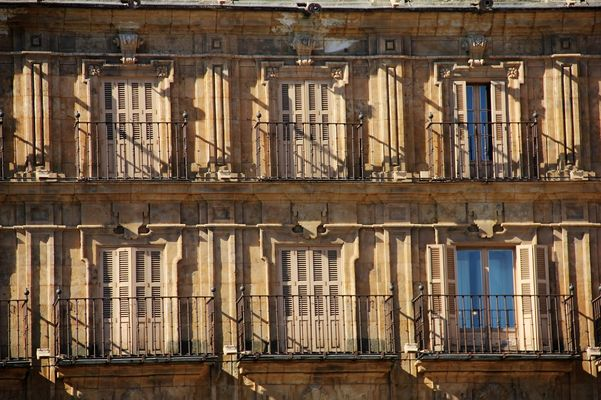 Balconada dorada