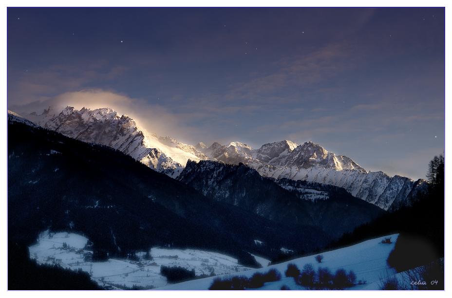 Bald ist es Hell und Tag in den Bergen... über dem Tauferer Ahrntal