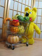 Bald ist Halloween - Der gelbe Bär kauft schon mal ein (1)