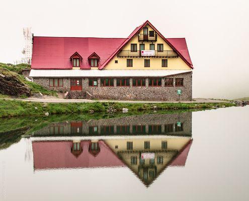 Balea See -  Cbana II- das zweite Haus, im Nebel