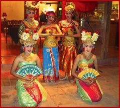 Bali dancing girls