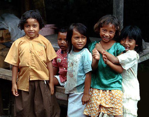 Bali: Kinder der Trunyan